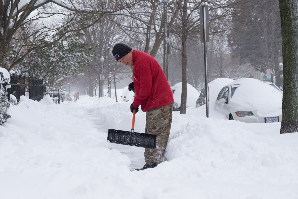 Huge winter storm hits east coast of the United States
