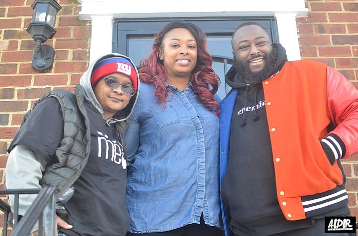 Radio One Delivers Food To Furloughed Workers